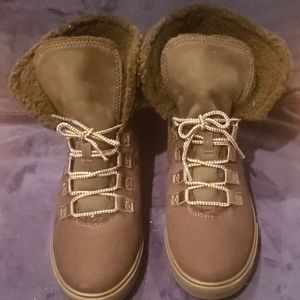 Brand new Timberlands Dausette fold downs 8.5